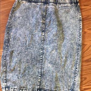 Acid-washed Skirt